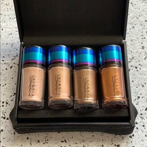 NWT MAC Cosmetics Gold Irresistibly Charming Glitt